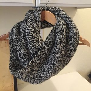 J. Crew Black and White Chunky Infinity Scarf